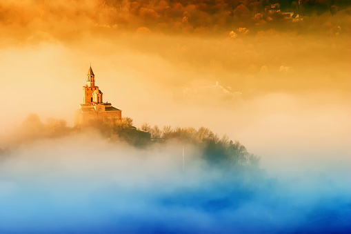 Awe「Tsarevets fortress in Veliko Turnovo, Bulgaria」:スマホ壁紙(12)