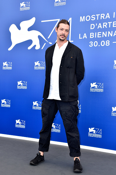 Fully Unbuttoned「This Is Congo Photocall - 74th Venice Film Festival」:写真・画像(4)[壁紙.com]