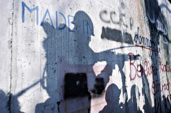 Graffiti「American Presence In Berlin」:写真・画像(3)[壁紙.com]