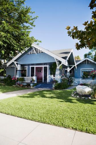 郊外の風景「Craftsman style home exterior」:スマホ壁紙(16)