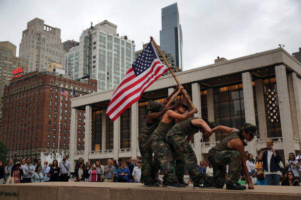 Pulitzer Prize「Lincoln Center Hosts Site-Specific Outdoor Dance Performance」:写真・画像(17)[壁紙.com]