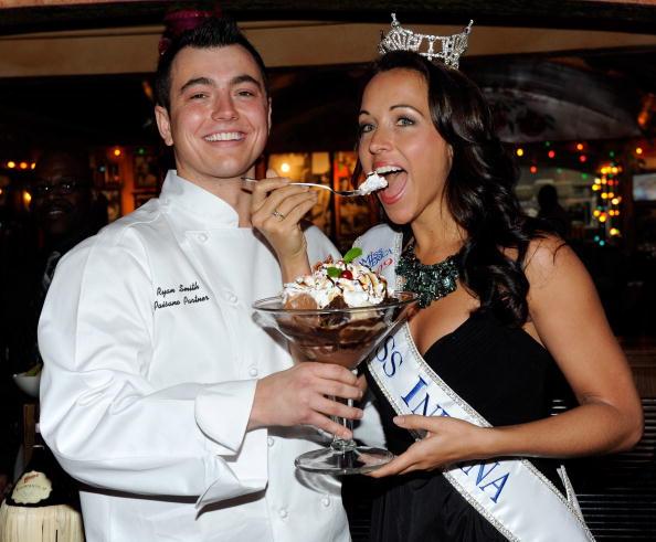 Sweet Food「Miss America Contestants Visit Buca Di Beppo Restaurant」:写真・画像(4)[壁紙.com]