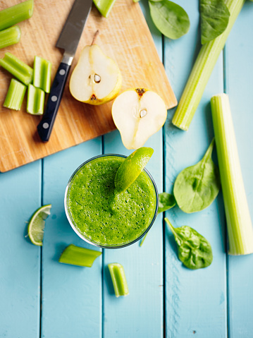 Celery「Healthy cucumber,celery spinach and pear smoothies」:スマホ壁紙(1)
