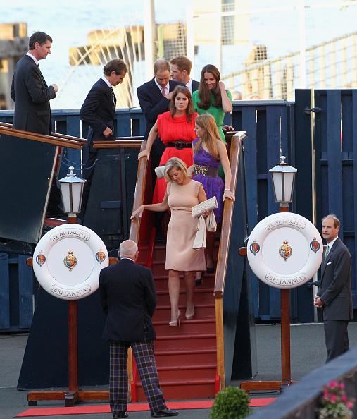 Passenger Craft「Zara Phillips And Mike Tindall Host Pre Wedding Party On Britannia」:写真・画像(2)[壁紙.com]