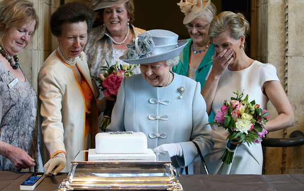 Dessert「Queen Elizabeth II Attends Centenary Annual Meeting Of The National Federation Of Women's Institute」:写真・画像(7)[壁紙.com]