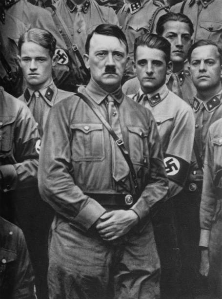 Waist Up「Hitler's Youths」:写真・画像(6)[壁紙.com]