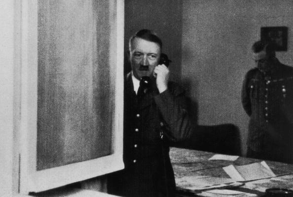 Monochrome「Hitler At Headquarters」:写真・画像(16)[壁紙.com]