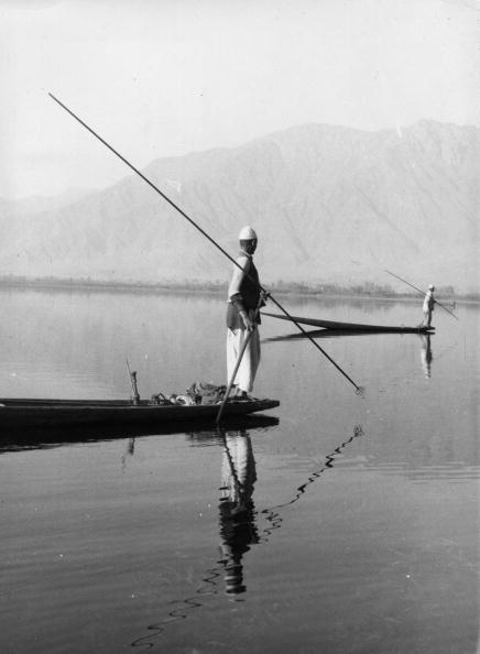 Rowing「Srinagar Lake」:写真・画像(18)[壁紙.com]