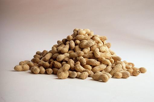 Nut - Food「Pile of Peanuts」:スマホ壁紙(11)