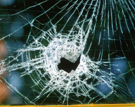 Physical Disability「Smashed window」:スマホ壁紙(15)