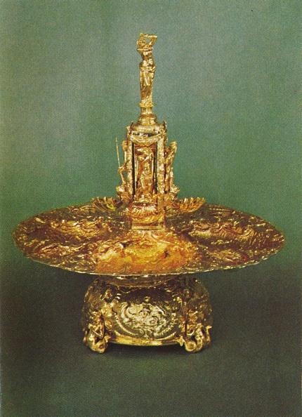 Costume Jewelry「Table Fountain」:写真・画像(4)[壁紙.com]