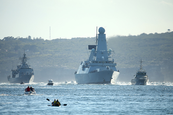 Warship「Warships Enter Sydney Harbour Ahead Of 2013 International Fleet Review」:写真・画像(16)[壁紙.com]
