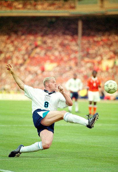 Netherlands「Paul Gascoigne England v Holland European Championships 1996」:写真・画像(13)[壁紙.com]