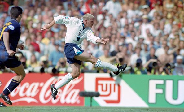 Scotland「Paul Gascoigne scores England v Scotland 1996 UEFA Euro Championships」:写真・画像(1)[壁紙.com]