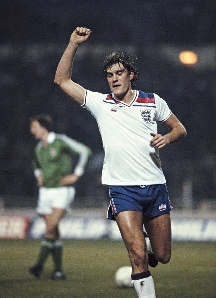 England「Glenn Hoddle celebrates goal England v Northern Ireland 1982」:写真・画像(13)[壁紙.com]