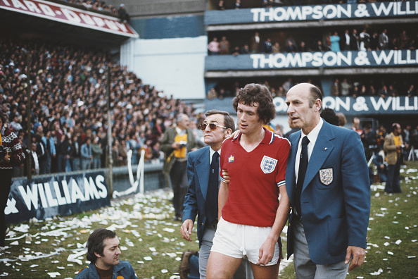 写真「Trevor Cherry Sent Off  Argentina v England Friendly 1977」:写真・画像(10)[壁紙.com]