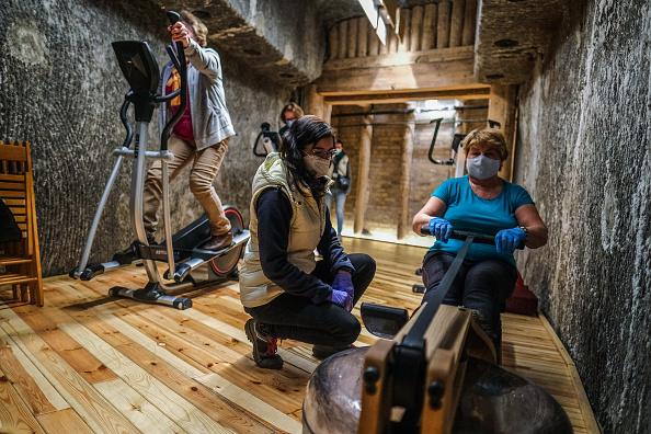 Recovery「Wieliczka Salt Mine Hosts Covid-19 Rehabilitation Program」:写真・画像(15)[壁紙.com]