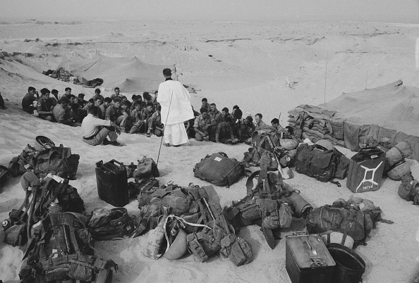 Religious Mass「British Troops in Kuwait」:写真・画像(6)[壁紙.com]