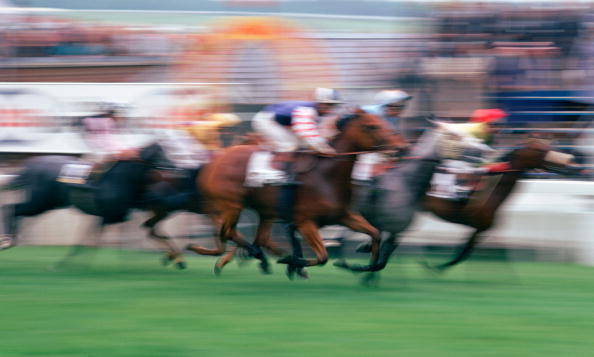 Blurred Motion「Epsom Races, Surrey」:写真・画像(5)[壁紙.com]