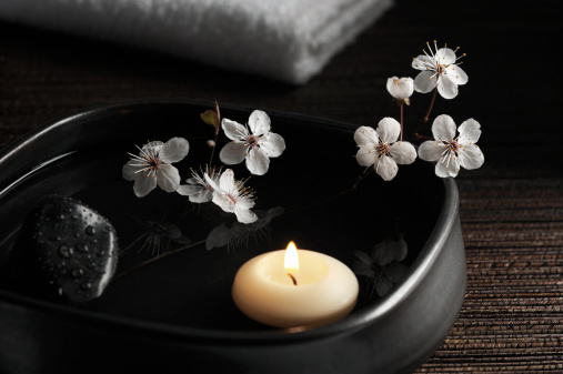 Beauty Spa「Zen Spa with Floating Candle and Blossoms」:スマホ壁紙(1)