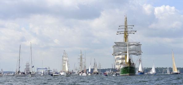 """Panoramic「""""Windjammer"""" Tall Ships Parade In Kiel」:写真・画像(18)[壁紙.com]"""