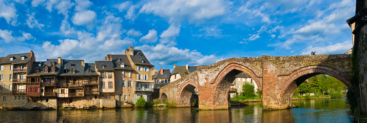 Camino De Santiago「Espalion village in France」:スマホ壁紙(7)