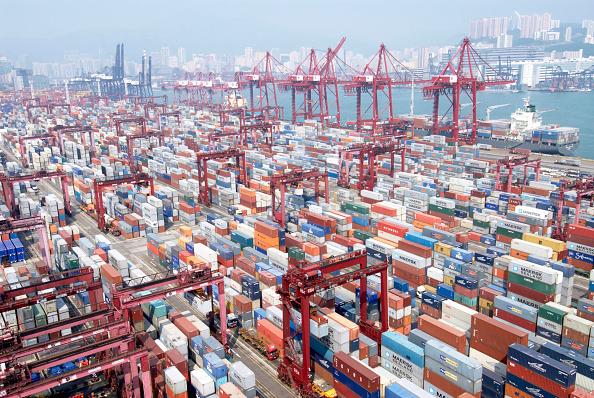 Pier「Container Terminal 9 at Kwai Chung in Hong Kong, China」:写真・画像(1)[壁紙.com]