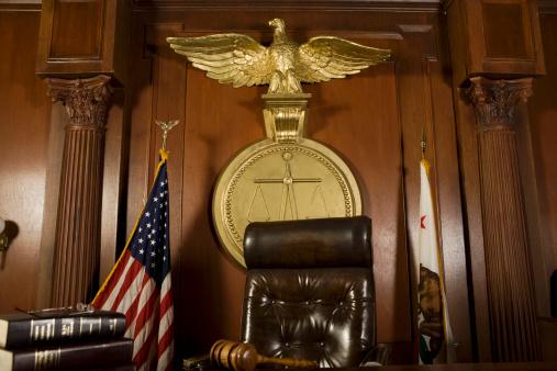 Patriotism「Judges chair in court room」:スマホ壁紙(10)