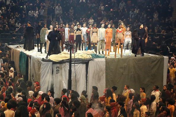 ニューヨークファッションウィーク「Kanye West Yeezy Season 3 - Runway」:写真・画像(0)[壁紙.com]