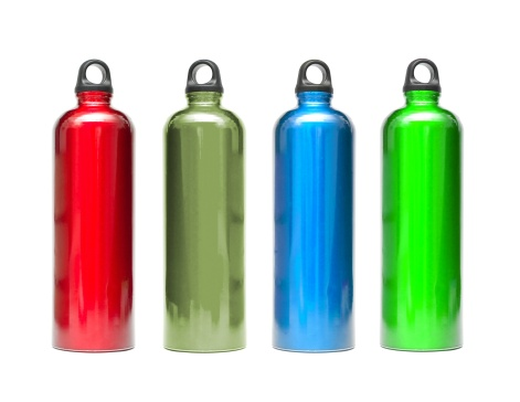Hiking「Metal water bottles in different colors isolated on white」:スマホ壁紙(16)
