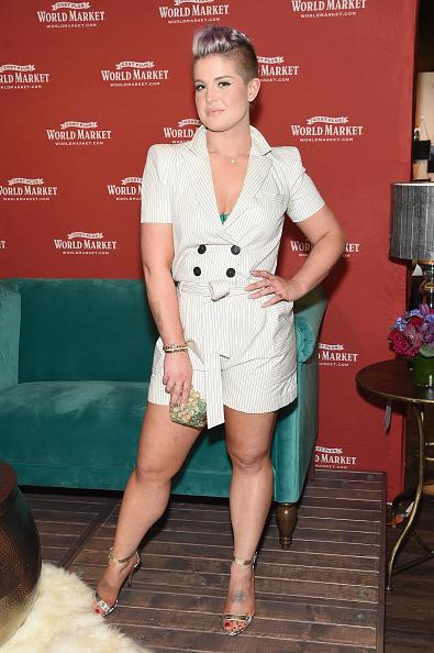 サイド刈り上げ「Special Guest Kelly Osbourne Celebrates The Opening Of The New Cost Plus World Market Chelsea New York Store」:写真・画像(19)[壁紙.com]