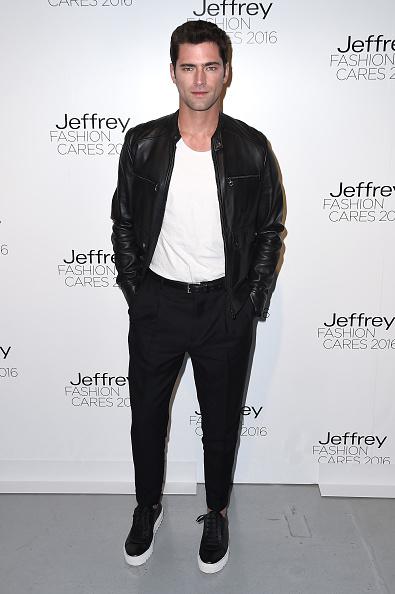 Leather Jacket「Jeffrey Fashion Cares 13th Annual Fashion Fundraiser - Arrivals」:写真・画像(0)[壁紙.com]