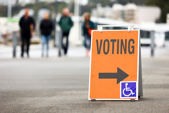 Delayed Sign「New Zealanders Head To The Polls To Vote In 2020 General Election」:写真・画像(13)[壁紙.com]