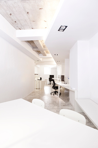 Ceiling「Modern office with meeting table in the foreground」:スマホ壁紙(15)