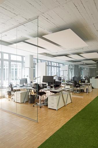 Open Plan「Modern office interior」:スマホ壁紙(0)