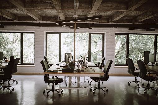 New Business「Modern office interior」:スマホ壁紙(9)