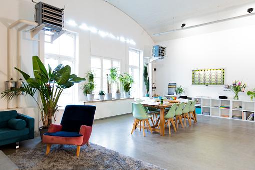 Open Plan「Modern office interior」:スマホ壁紙(8)