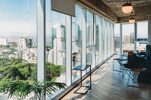 Buenos Aires「Modern office with big windows in Buenos Aires」:スマホ壁紙(4)