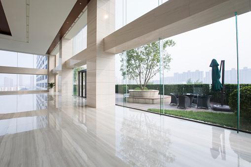 Wide Shot「Modern office building hallway」:スマホ壁紙(8)