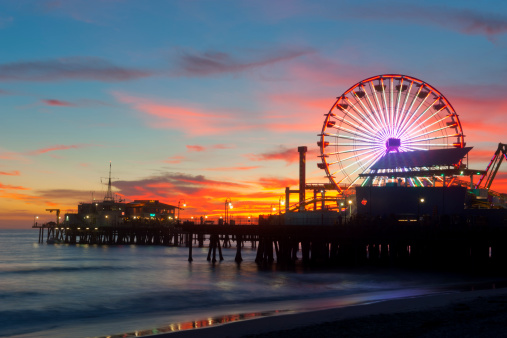 Santa Monica「Amusement park on waterfront at night」:スマホ壁紙(5)