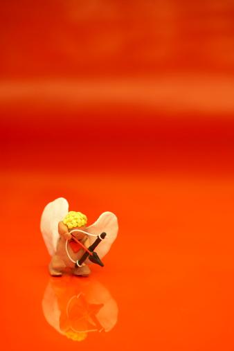 Cupid「Cupid with bow and arrow」:スマホ壁紙(15)