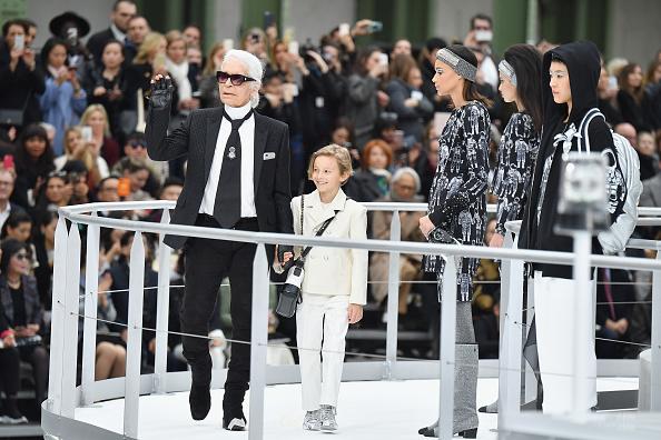 Finishing「Chanel : Runway - Paris Fashion Week Womenswear Fall/Winter 2017/2018」:写真・画像(7)[壁紙.com]