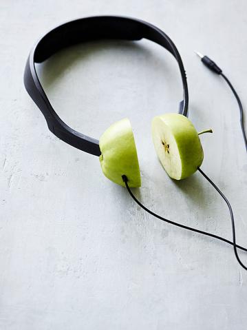 ヘッドホン「Conceptual headphones」:スマホ壁紙(2)