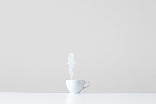 Growth「Conceptual cup with ghost steam rising」:スマホ壁紙(0)