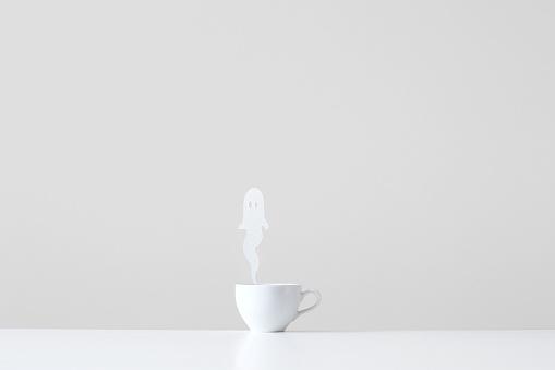 ハロウィン「Conceptual cup with ghost steam rising」:スマホ壁紙(13)