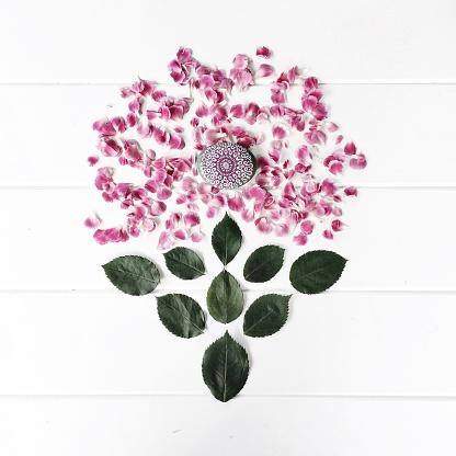カーネーション「Conceptual flower made from carnation petals and leaves」:スマホ壁紙(14)