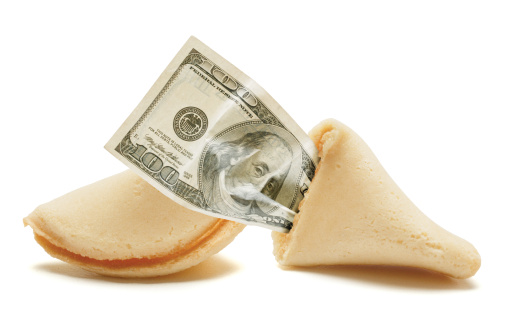 American One Hundred Dollar Bill「conceptual photo of a broken fortune cookie with a hundred dollar bill inside」:スマホ壁紙(3)