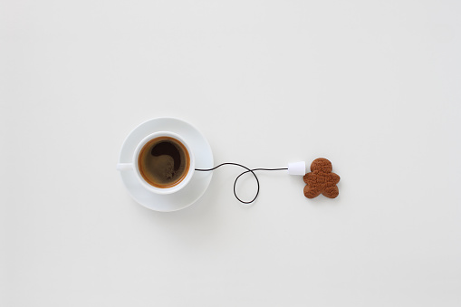 Gingerbread Cookie「Conceptual cup of coffee string phone and a gingerbread man」:スマホ壁紙(3)