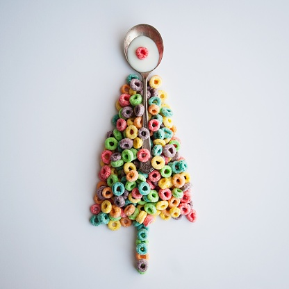 Tradition「Conceptual Christmas tree made of breakfast cereal」:スマホ壁紙(5)