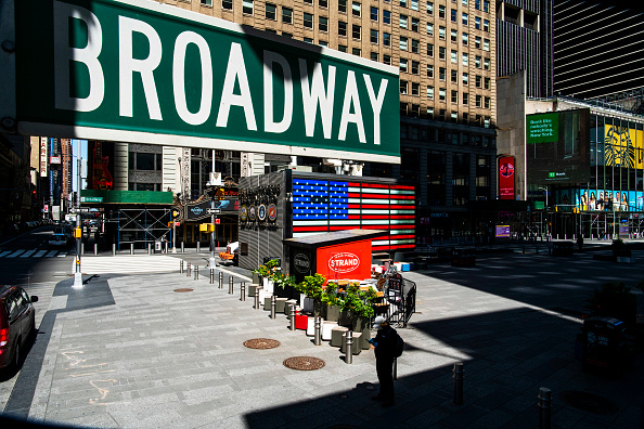 Broadway - Manhattan「Coronavirus Pandemic Causes Climate Of Anxiety And Changing Routines In America」:写真・画像(2)[壁紙.com]